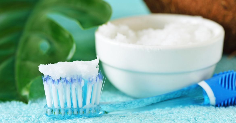 Bicarbonato: uno de los remedios caseros para eliminar los dientes con sarro