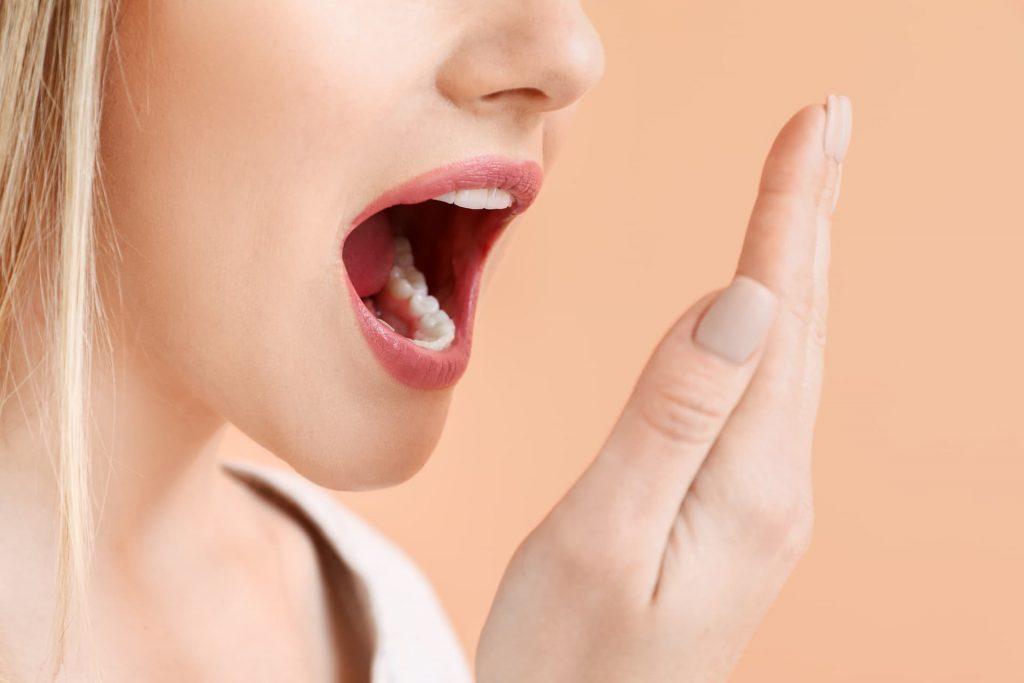 mal aliento o halitosis